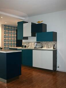 papier peint renovation r 233 novation cuisine bleu nocturne bleu canard gris