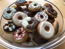 mini donuts rezept mini donuts rezepte chefkoch de