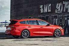 ford reveals 2019 ford focus st wagon drivingline
