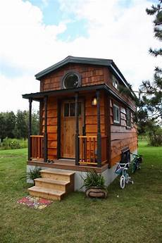 homes with small family of 4 living in 207 sq ft tiny house