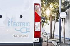 combien de temps dure une batterie de voiture combien de temps dure une batterie de voiture 233 lectrique