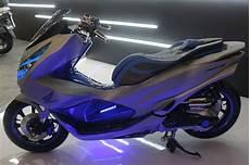 Modifikasi Motor Pcx 2018 by Honda Pcx 2018 Dimodif Bergaya Futuristik Modifikasi