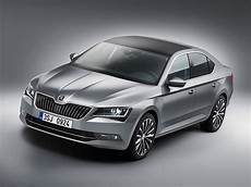 Skoda Superb Unveiled 2015 And It S Now A Hatchback By