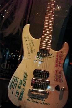 Kurt Cobain S Guitars Now No Name Guitar And Mustang