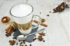 Latte Macchiato Farbe - 6 latte macchiato gl 228 ser 300 ml mit henkel und 6 edelstahl