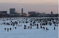 Hamburg Wetter Aktuell - the economics of weather news al jazeera