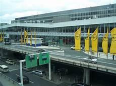 Flughafen Frankfurt Abflug Terminal 2 Tuifly Am