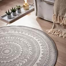 teppiche rund dieser runde teppich schafft eine wohnliche atmosph 228 re in