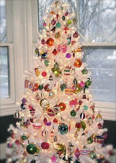 White Decorations For Tree by Shiny Brite Ornaments On A White Tree