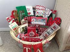 bridal shower holiday basket christmas diy bridal shower holiday baskets bridal shower gifts