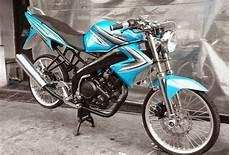 Modifikasi Warna Motor Vixion by Gambar Modipikasi Motor Vixion Velg Jari Jari Oto Trendz
