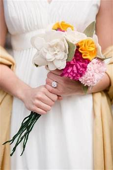 do it yourself weddings do it yourself felt bouquets and boutonnieres