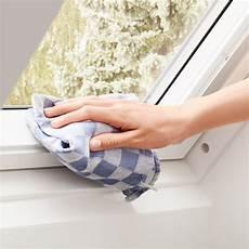 velux schwingfenster mit obenbedienung leicht bedienbar