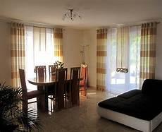 gardinen fürs wohnzimmer schiebe gardine f 252 rs wohnzimmer in braun und beige mit