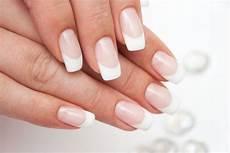 pose de gel soins des ongles