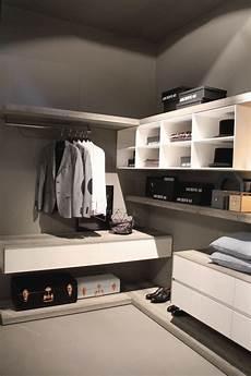 idea cabina armadio appendiabiti di design per rinnovare la cabina armadio