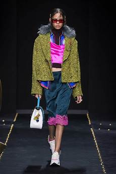Malvorlagen Winter Versace Versace Fall Winter 2019 S Collection The Beep