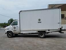 ibid 41577 1995 white chevy g30 1 ton box truck