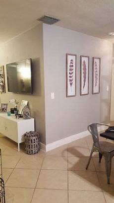 what paint color goes with tan tile what color walls look good with tan baseboards and tan
