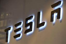 Tesla Is Having Its Worst Month Ever Whats Wrong With