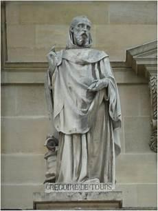Les Statues Du Louvre La Statue De Gr 233 Goire De Tours