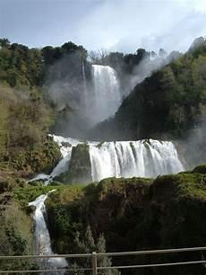 cascade en cascade des marmore wikip 233 dia