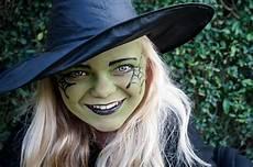kinder hexe schminken make up schminktipps vir totenkopf hexe