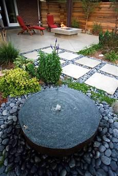Wasserspiel Stein Garten - custom built in cored water feature contemporary