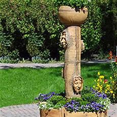 Baumstumpf Im Garten Verschönern - garten kunsthandwerk auf creativ100 de
