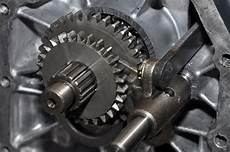 gangschaltung auto wann schalten wann spricht einem getriebeschaden welche ursachen
