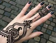 Gambar Henna Bentuk Cincin Yang Cantik Banget Dengan