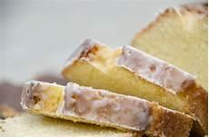 Zitronenkuchen Mit Zitronensaft - zitronenkuchen mit zuckerguss die puddingschule