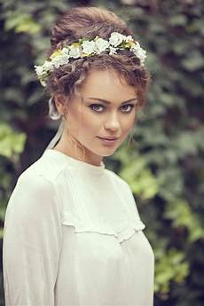 wedding updos for curly hair 9 styles to inspire your