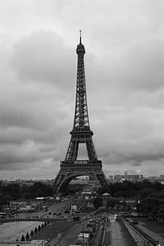 noir et blanc file tour eiffel noir et blanc 2 jpg wikimedia commons