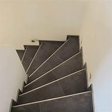 Gewendelte Treppe Fliesen Anleitung - treppe mit fliesen gewendelte treppe fliesen mit