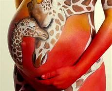 Schwangeren Bauch Bemalen - babybauch bemalen ein beliebter trend in den letzten