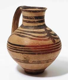 jarre en terre cuite mycenien circa 1425 1100 avant