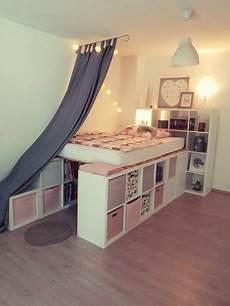 Bett Aus Ikea Möbeln Bauen - ein hochbett aus ikea kallax regalen bett in 2019