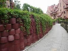 Beton Pflanzkübel Als Mauer - deko ideen pflanzsteine setzen und bepflanzen
