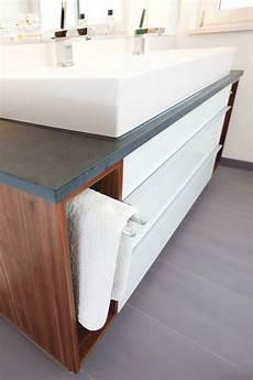 Waschtisch Mit Handtuchhalter - der integrierte handtuchhalter l 228 sst sich nach gebrauch in