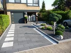 parkplatz gestalten ideen pflaster hausseite baasner galabau backyard in 2019
