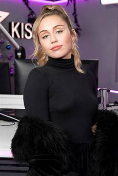 Miley Cyrus Miley Cyrus At Kiss Fm Studio S In London Celebzz Celebzz