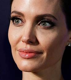 5 most famous celebrities with tattooed eyebrows blushery