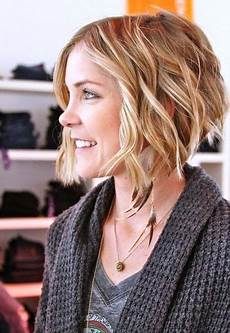 low maintenance short haircuts for wavy hair 2019