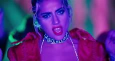 Gaga Debuts Wayne Here