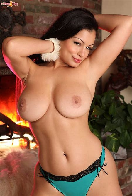 Busty aria giovanni big ass Milf picture.