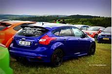felgen ford focus blue ford focus st hatchback with black rims ford focus