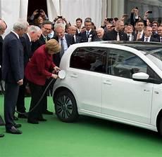 Autokanzlerin Jeder F 252 Nfte W 252 Rde Merkel Ein Auto
