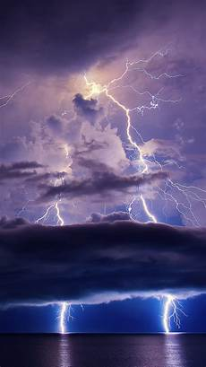 Iphone X Wallpaper Lightning by Lightning Sky Clouds Sea Iphone X 8 7 6 5 4 3gs