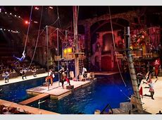 Dolly Parton opens Pirates Voyage Dinner & Show in Pigeon